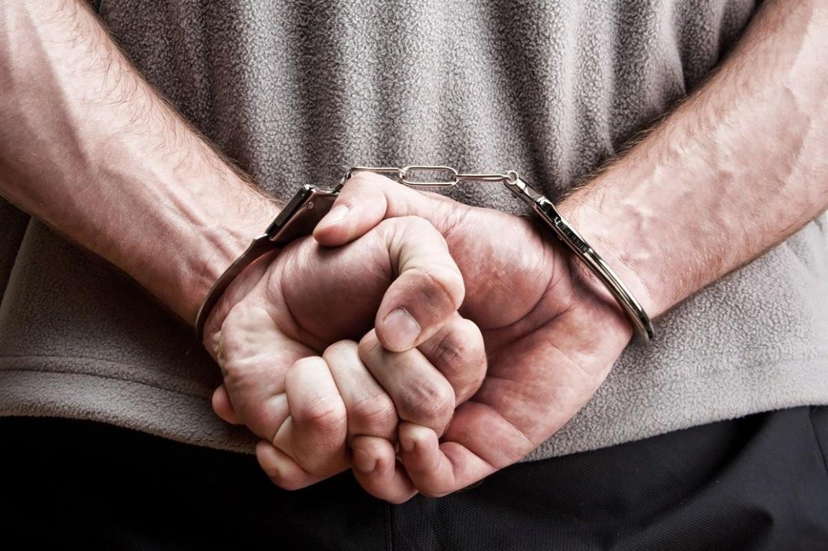 Полицейские задержали троих мужчин, находящихся в федеральном розыске
