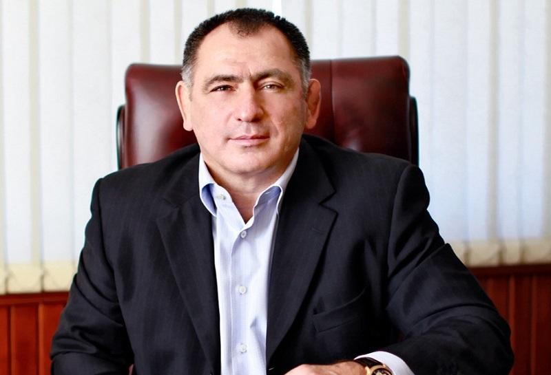 Махарбек Хадарцев вступился за одномандатников