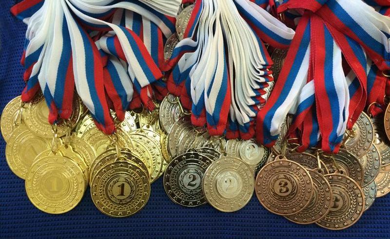 8 медалей